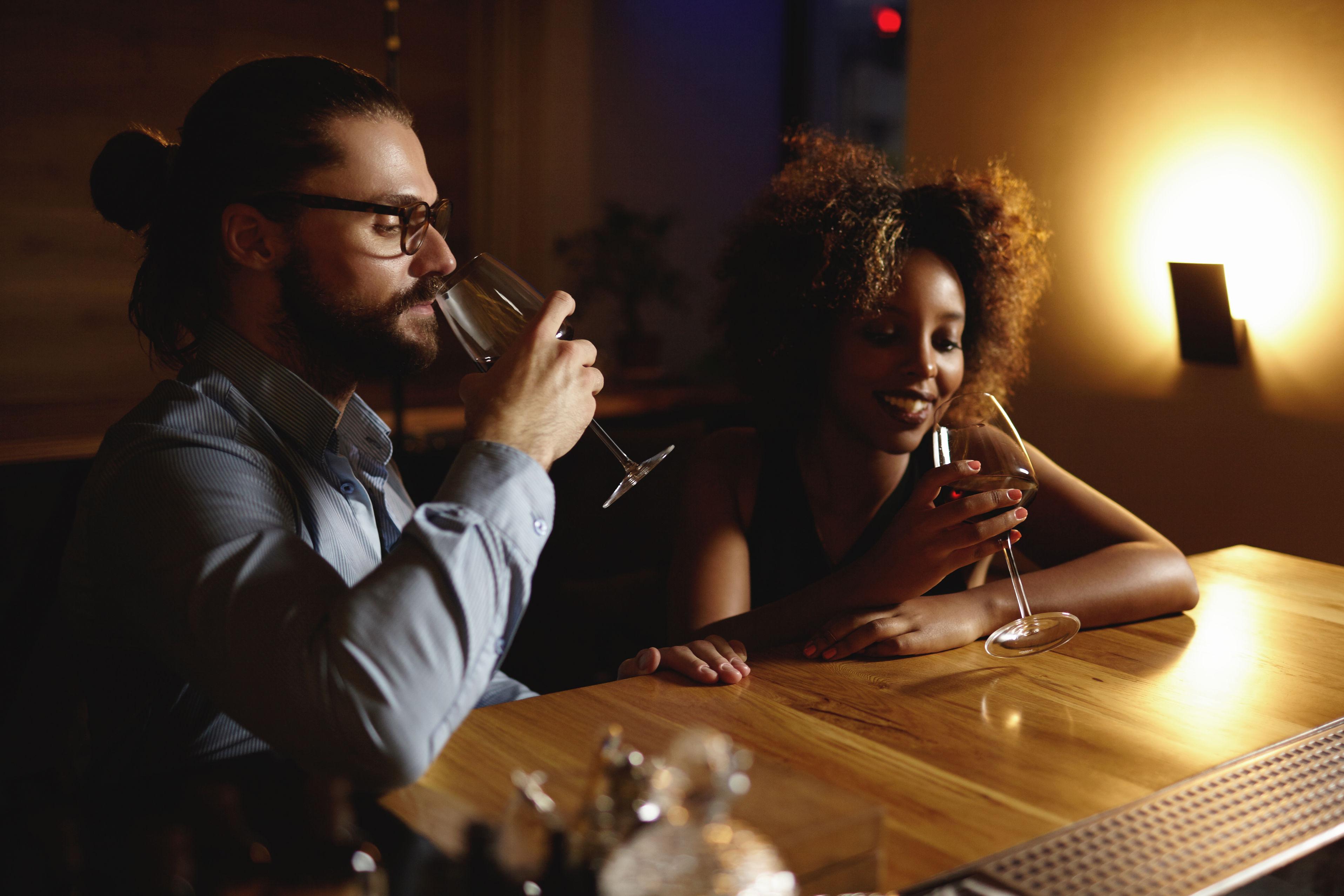 Organiser une soir e d gustation de vin - Organiser une soiree romantique ...